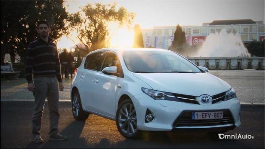Toyota Auris Hybrid Lounge, l'auto ibrida è diventata normale