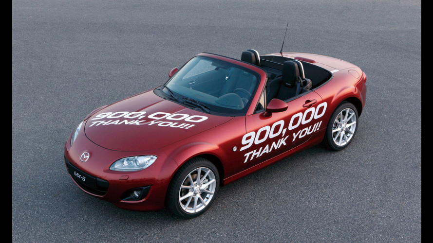 Mazda MX-5 a quota 900.000
