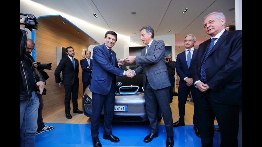 Auto elettrica: a Maurizio Lupi una BMW i3