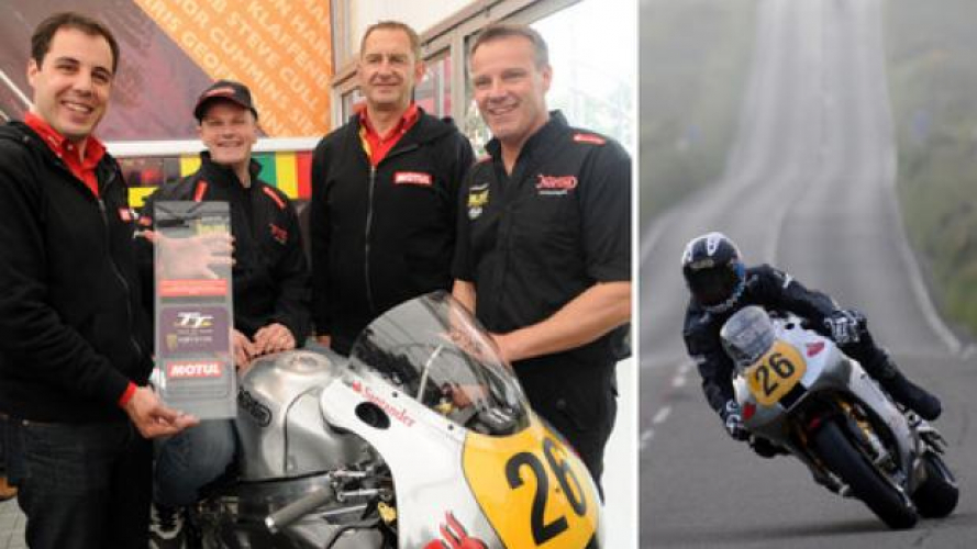 Tourist Trophy 2013: Dan Hegarty e Ian Mackman firmano con Norton