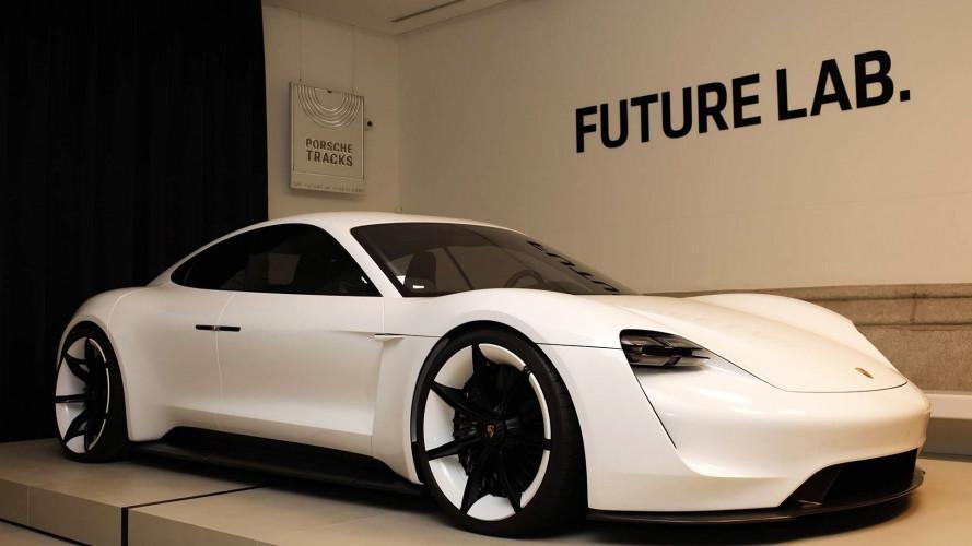 [Copertina] - Porsche Track Madrid, la prima concessionaria 3.0