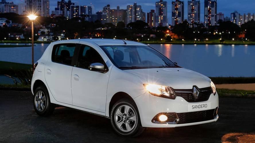 """Renault supera Ford e Hyundai e entra no """"G4"""" em abril"""