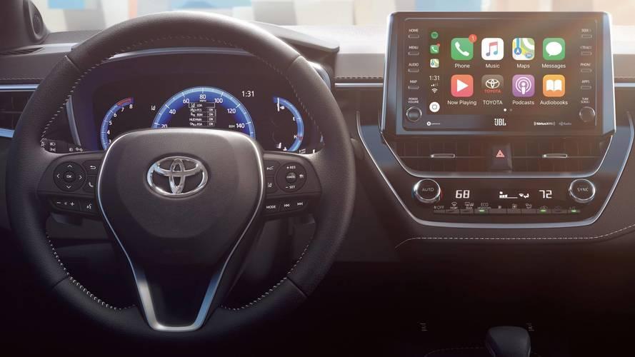 Toyota muda de ideia e usará Android Auto em suas centrais multimídia