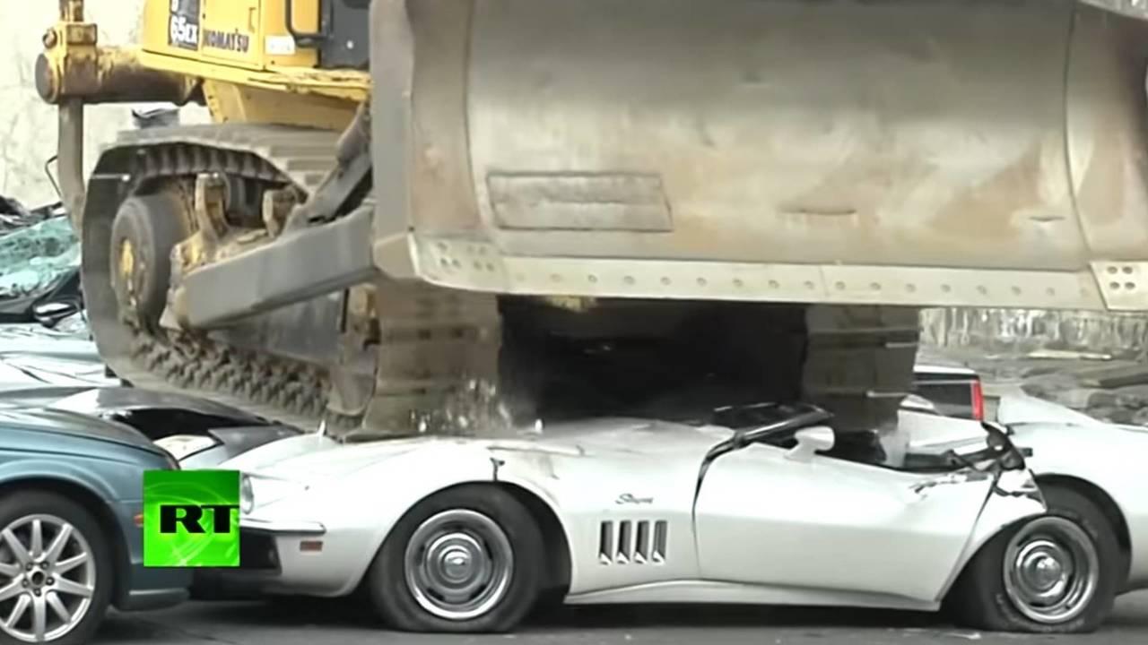 Luxusautók bezúzása
