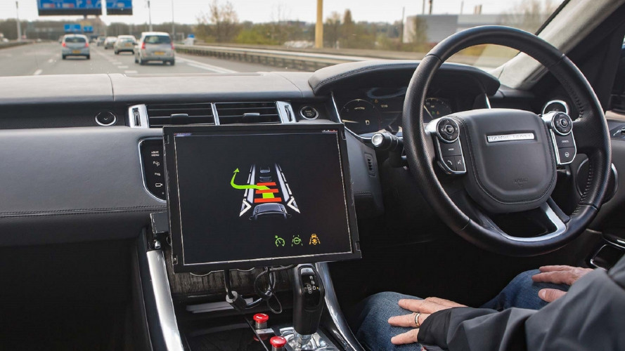 [Copertina] - Così le Jaguar Land Rover saranno super-connesse
