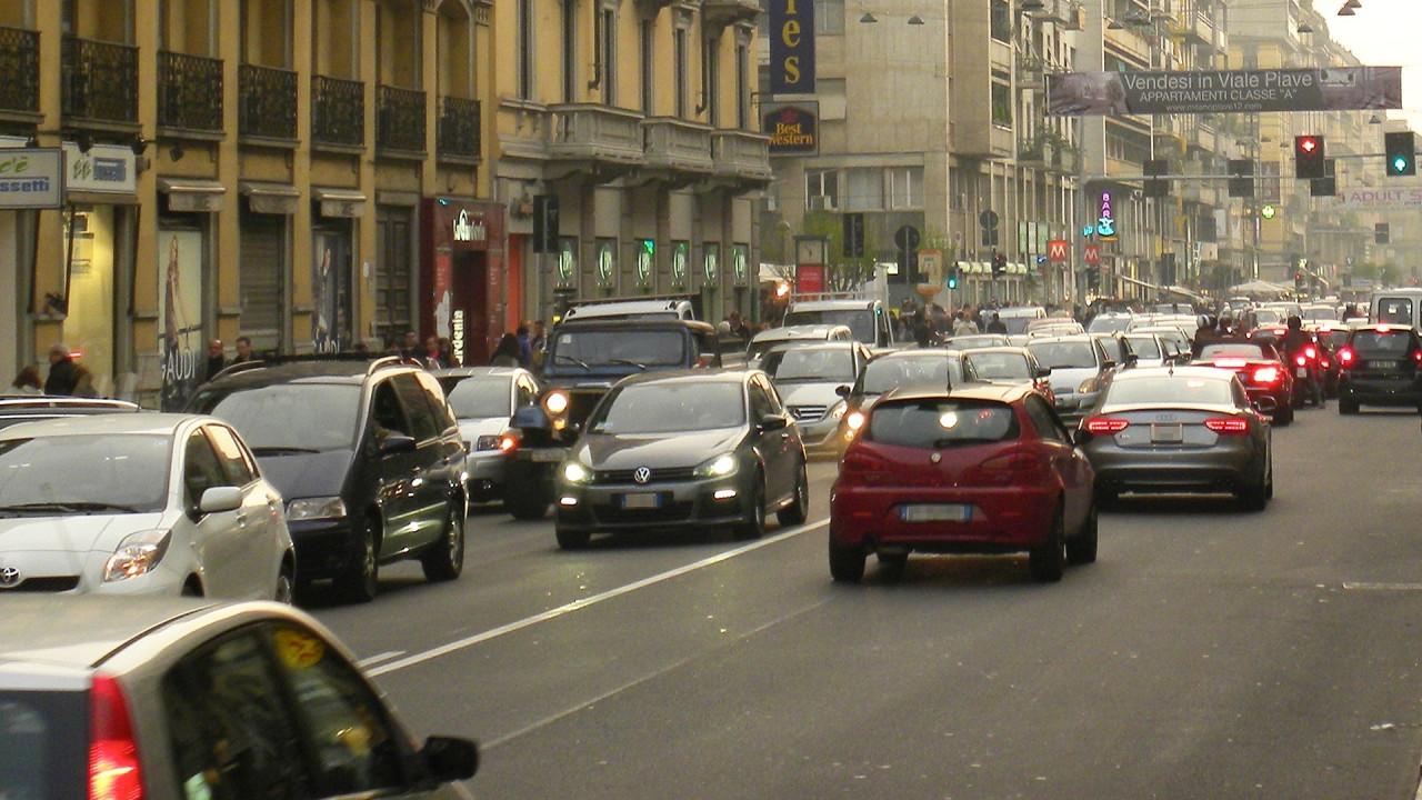 [Copertina] - Lombardia, auto Diesel escluse dagli incentivi alla rottamazione