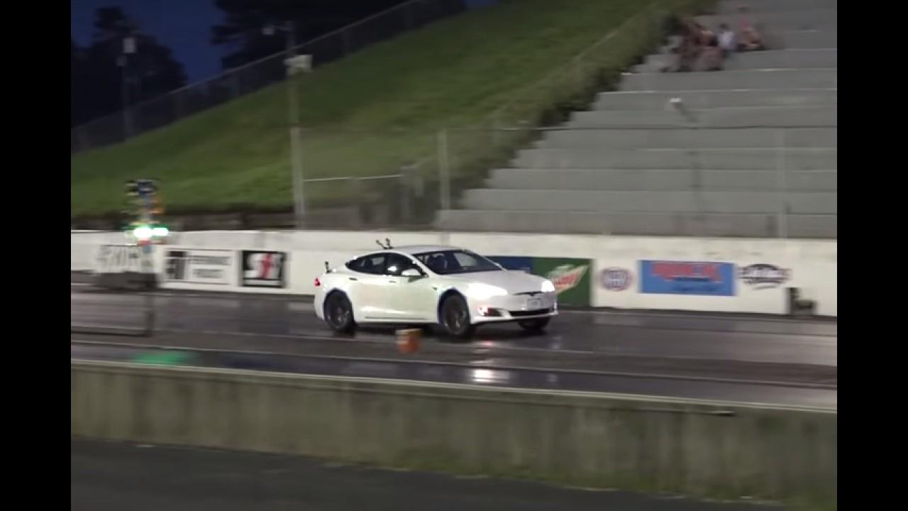 2017 Tesla Model S P90D Sets a Quarter Mile Record