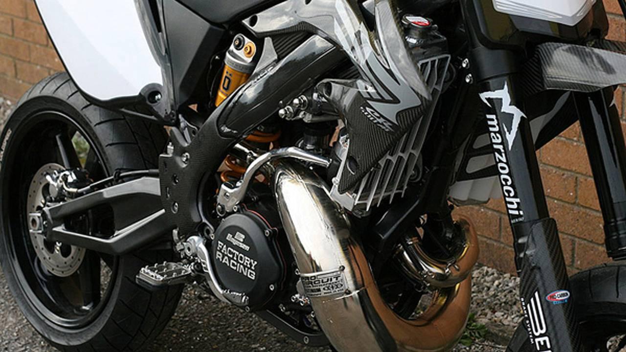 Custom: CR500AF Supermoto