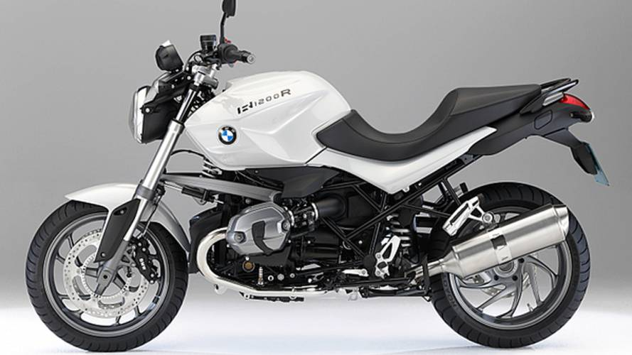 2011 BMW R 1200 R and R 1200 R Classic: DOHC engine, sharper looks