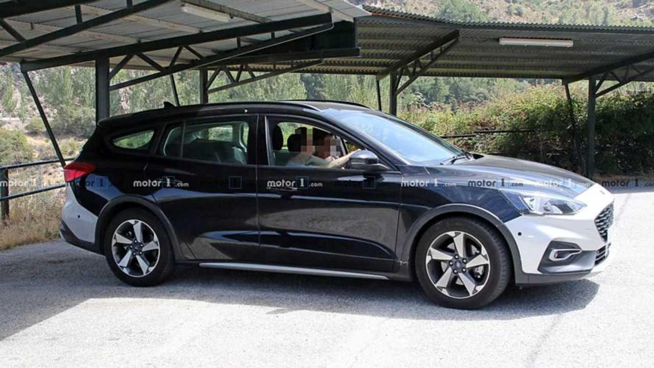 2019 Ford Focus Active Wagon İlk Casus Fotoğrafları