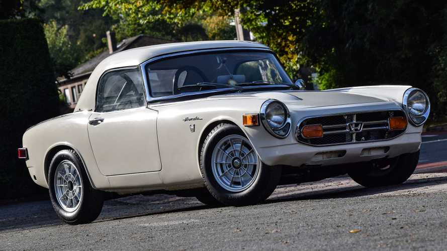 This Adorable And Ultra-Rare Honda S800 Racing Could Be Yours