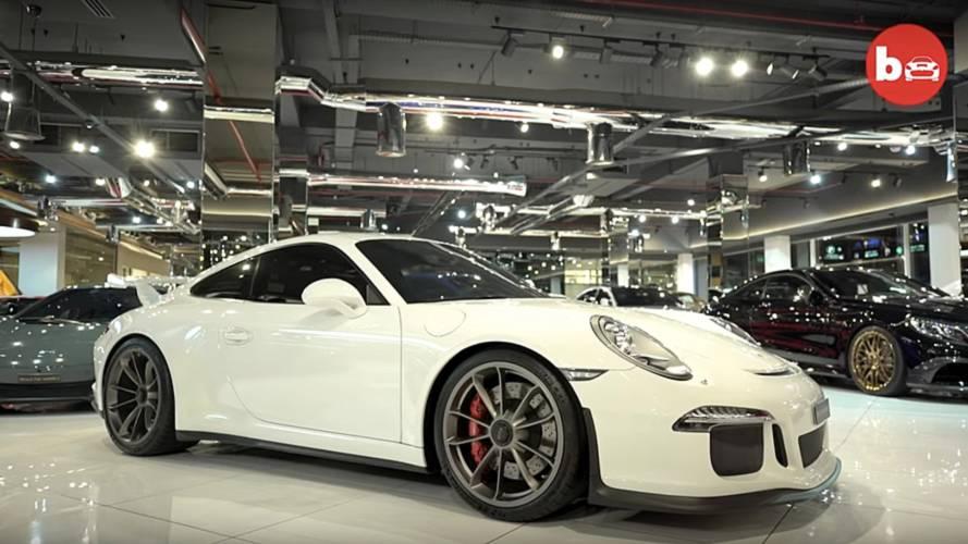 Dubai'deki süper otomobillerle dolu galeriye bir göz atın