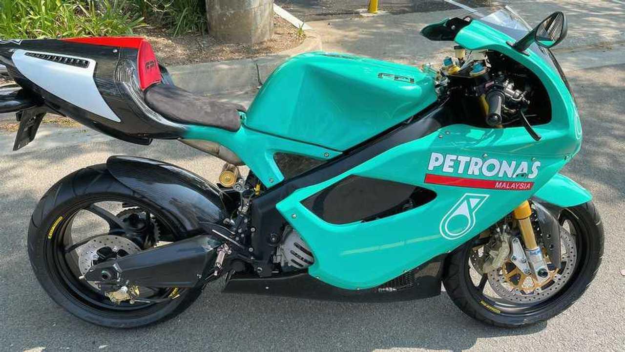 Rara y exclusiva Petronas FP1 en venta