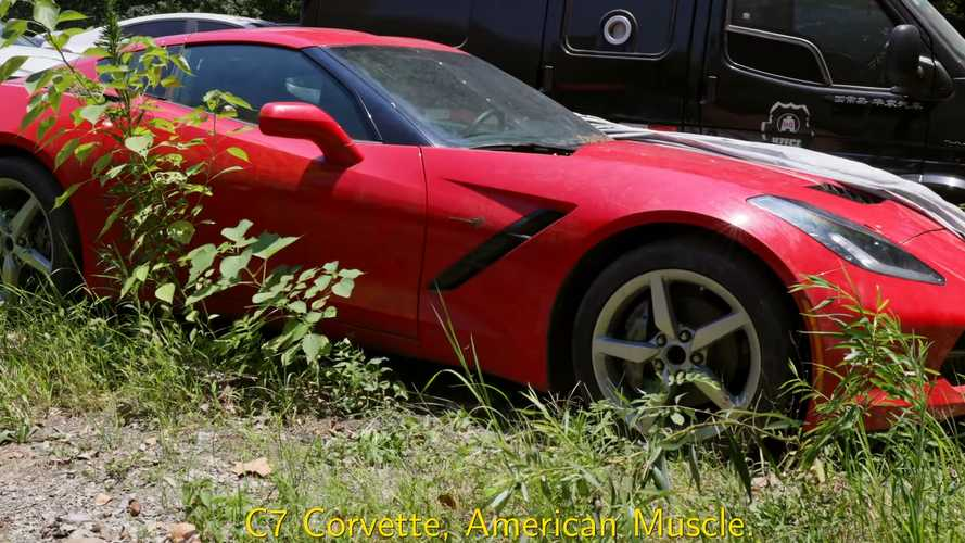 Videó: Rengeteg lefoglalt sportkocsi porosodik egy kínai telephelyen