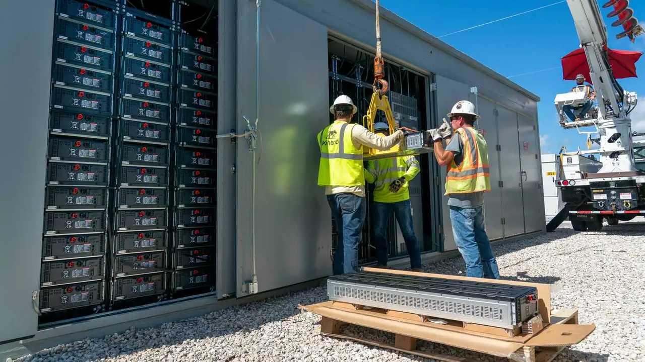 Lavori in corso al Manatee Energy Storage Center
