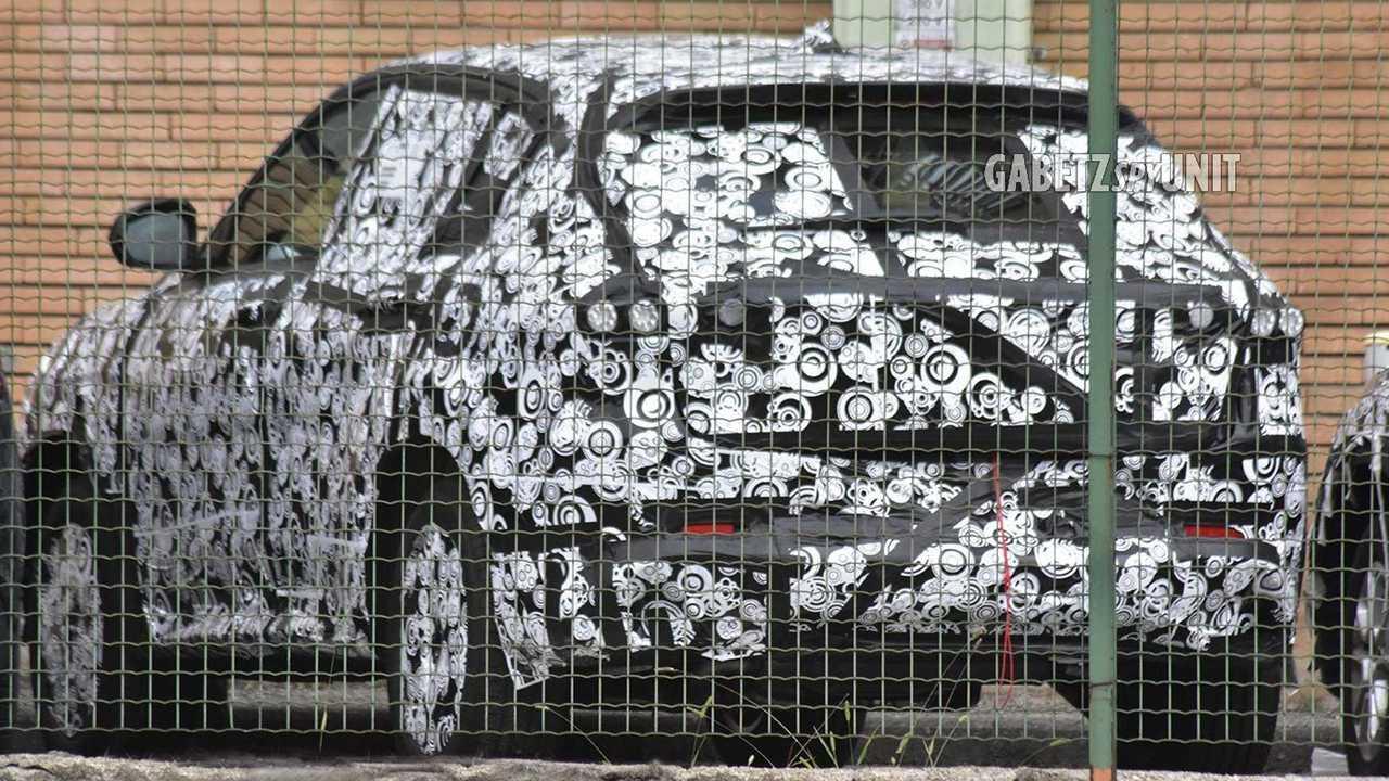Alfa Romeo Tonale Arka Cephe