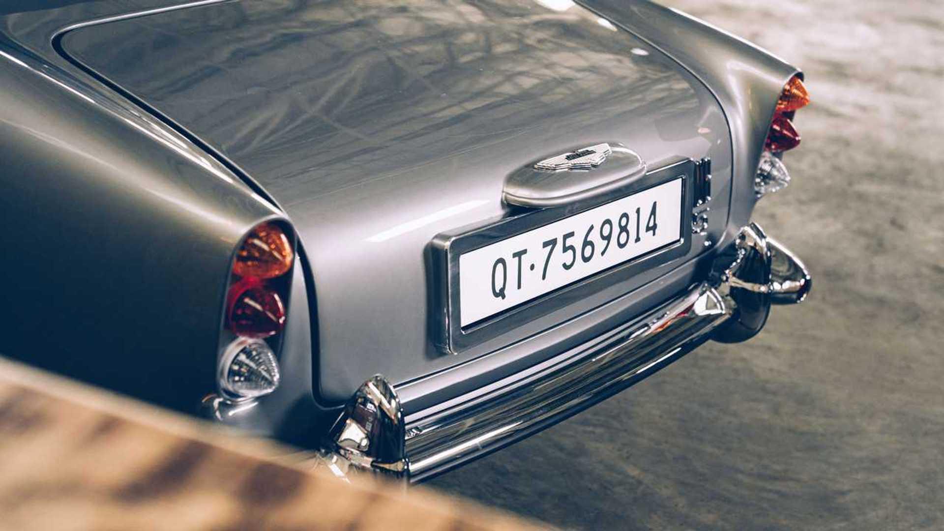 https://cdn.motor1.com/images/mgl/EKzRz/s6/aston-martin-db5-junior-no-time-to-die-edition-rear.jpg