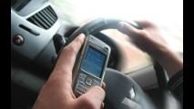 Mais de 60% dos motoristas utilizam celular enquanto dirigem, aponta pesquisa