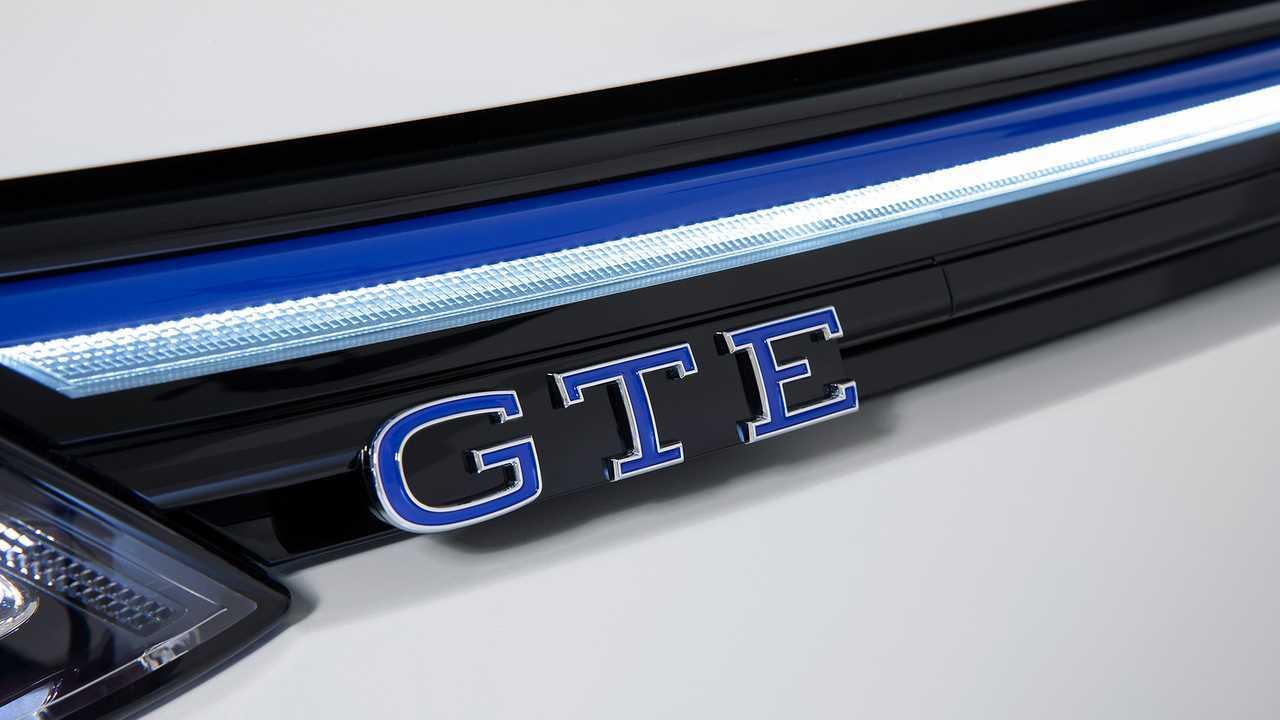 Volkswagen Golf GTE, le immagini definitive
