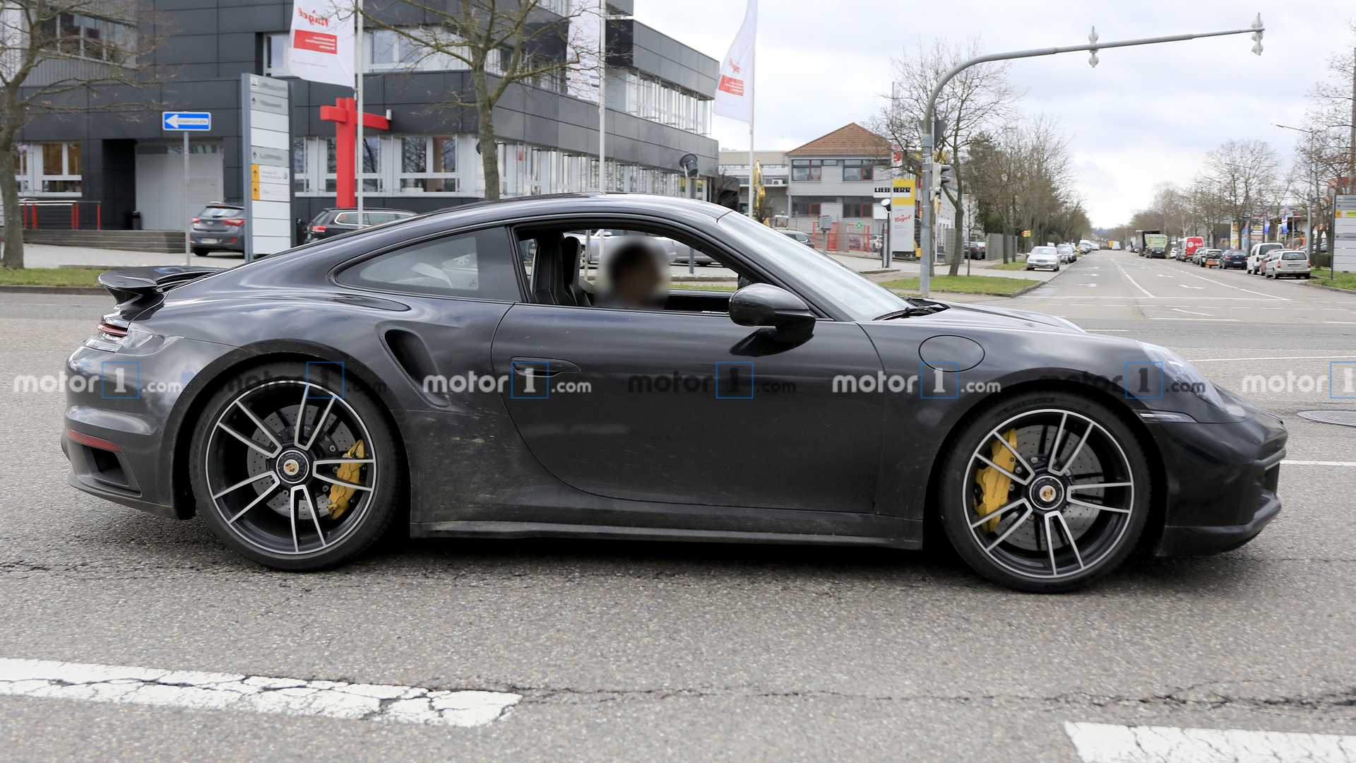 2018 - [Porsche] 911 - Page 17 Porsche-911-turbo-spy-photo