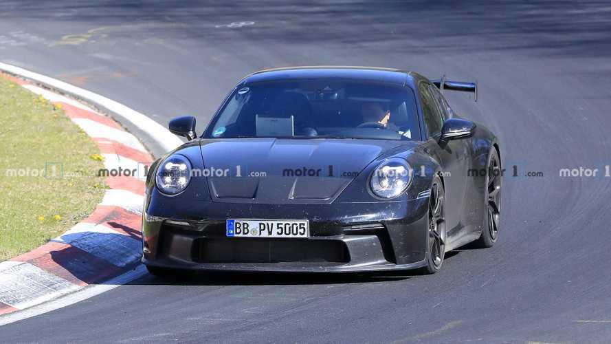 Igen fantáziadús újításokat mutat a Porsche 911 GT3 legújabb kémfotóin