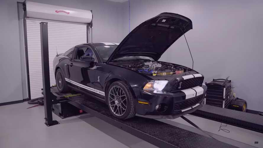 Mira cuán potente es aún este Shelby GT500 2012 con 182,271 millas
