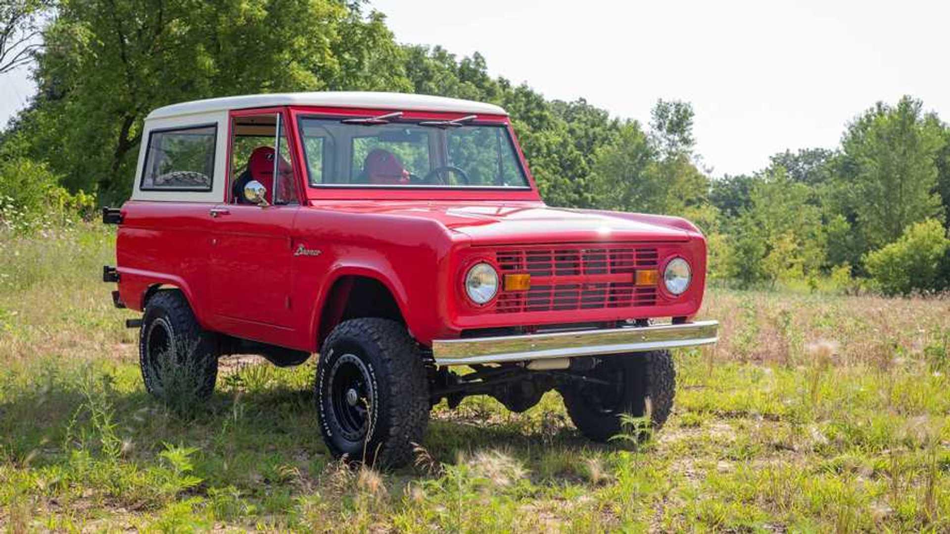 """[""""1977 Bronco Is A Restomod Vintage Off-Roader""""]"""