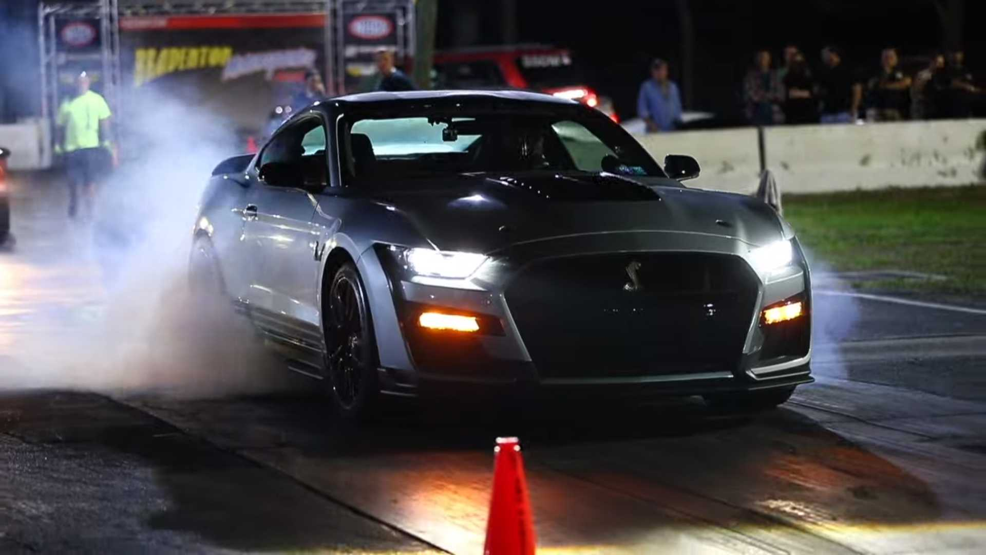 2020 Shelby GT500 With Over 1,000 HP Goes 9 Seconds At Drag Strip