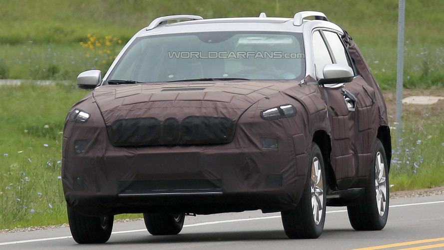 2017 Jeep Cherokee facelift spied for the first time