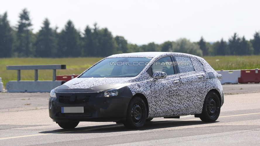 Next generation Opel Astra spied testing in Germany
