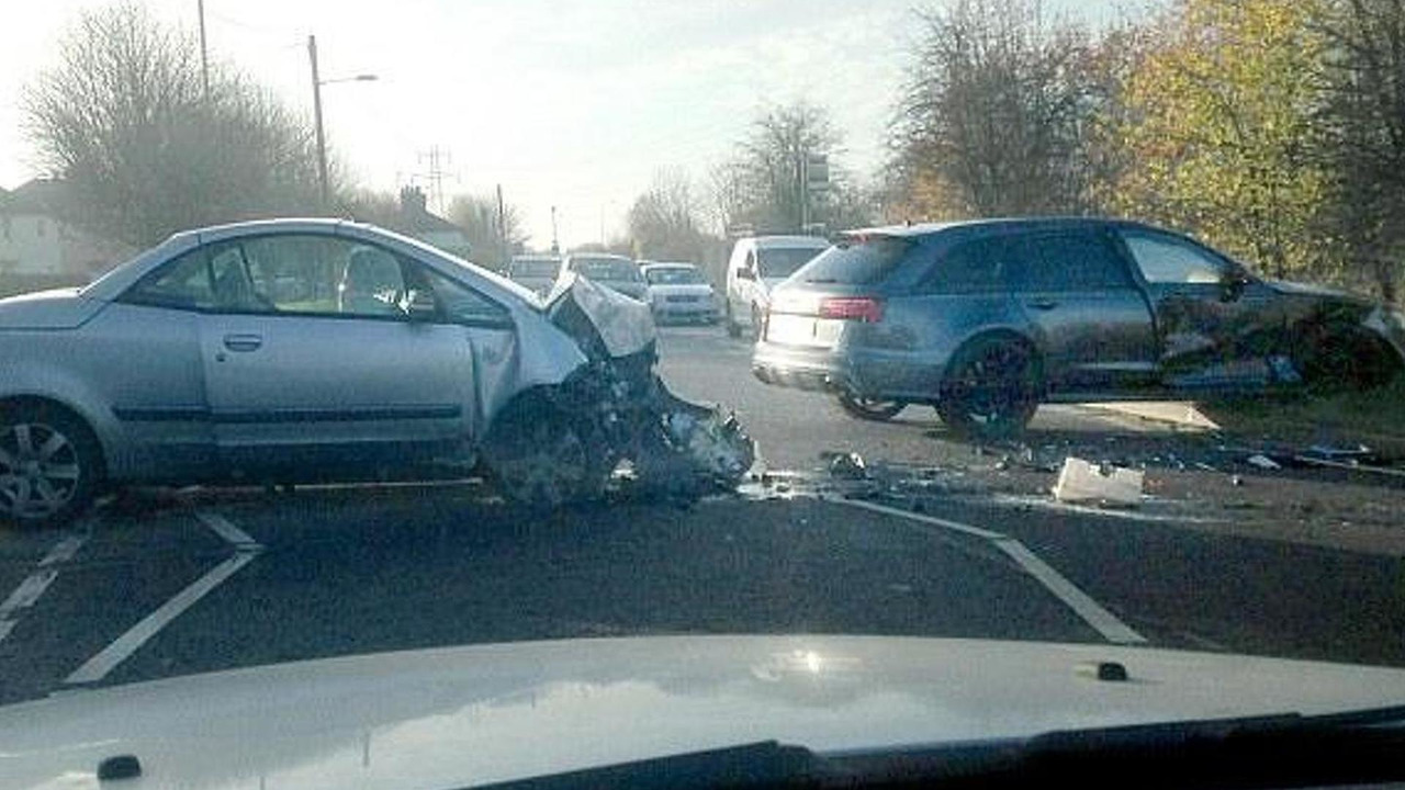 Mitsubishi Colt CZC and David Beckham's Audi RS6 Avant crash
