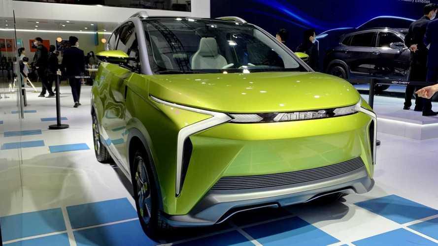 Chery mostra futuros carros elétricos no Salão de  Xangai