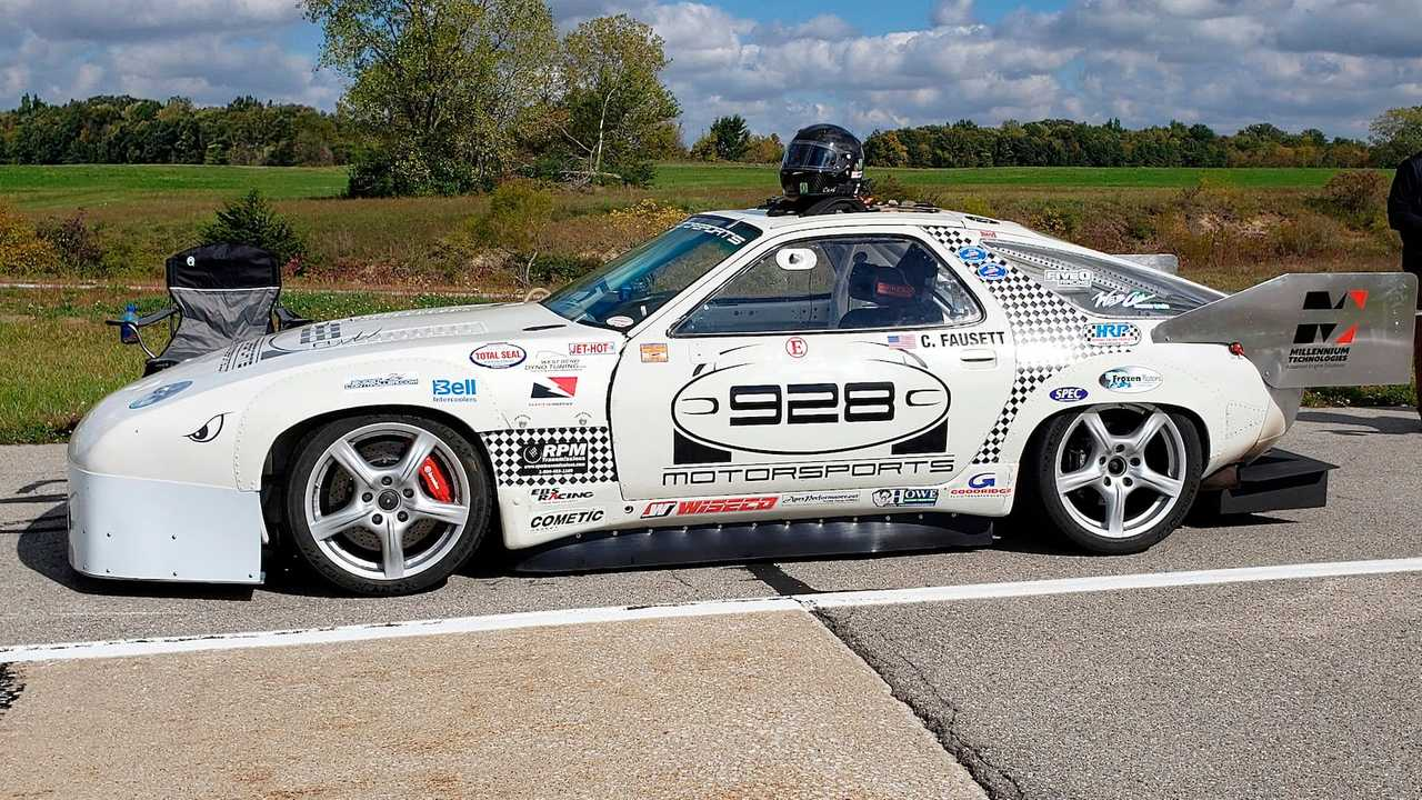 This Porsche 928 is ready to race.