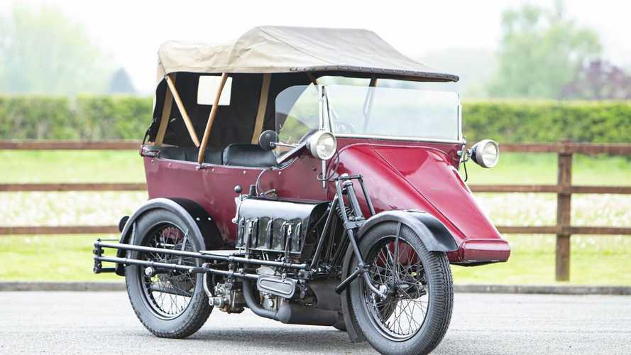 This Rare 1925 Seal Motorcycle/Car Hybrid Is Up For Auction