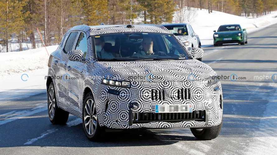 Yeni Renault Kadjar keskin tasarımıyla yakalandı