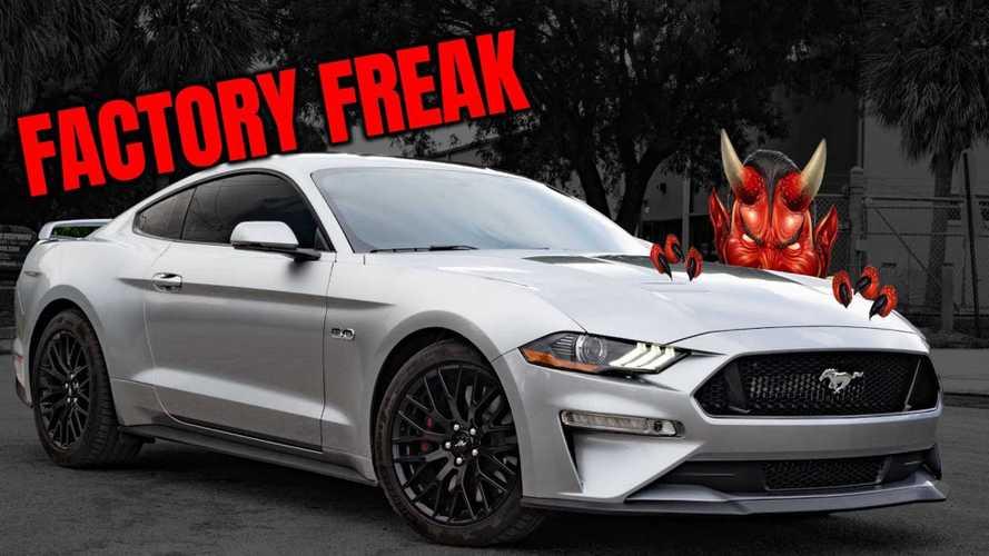Bu Ford Mustang GT'nin kaputunun altında bir sürpriz yatıyor