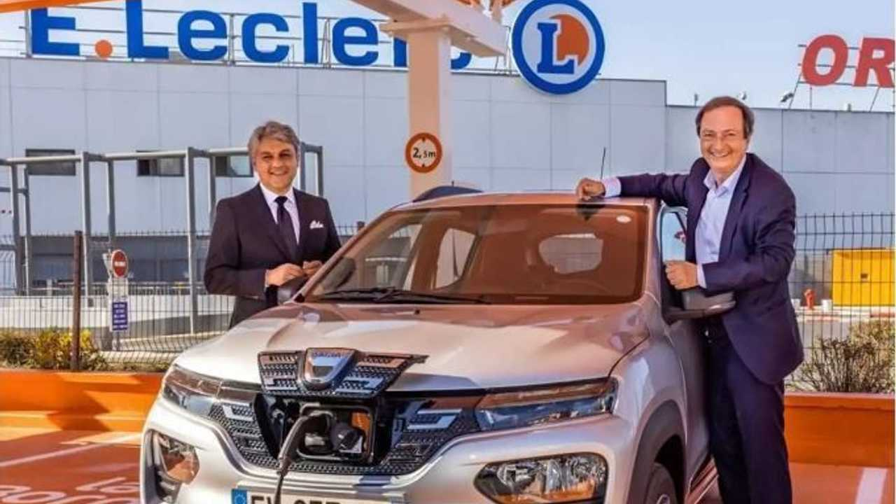 Dacia Spring a noleggio con E.Leclerc