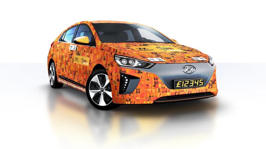 """Dünyanın ilk """"temassız"""" aracı: Hyundai Ioniq EV"""