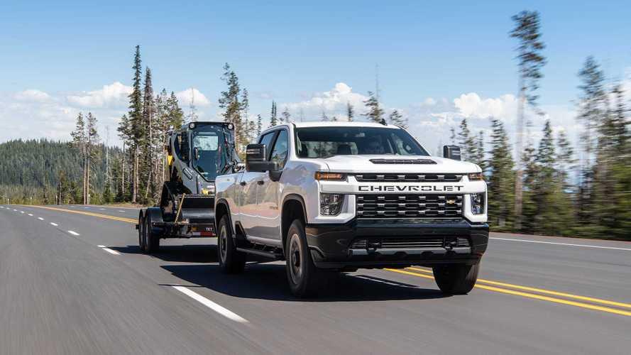GM Trucks Getting Trailer Side Blind Zone Alert In 2022: Report