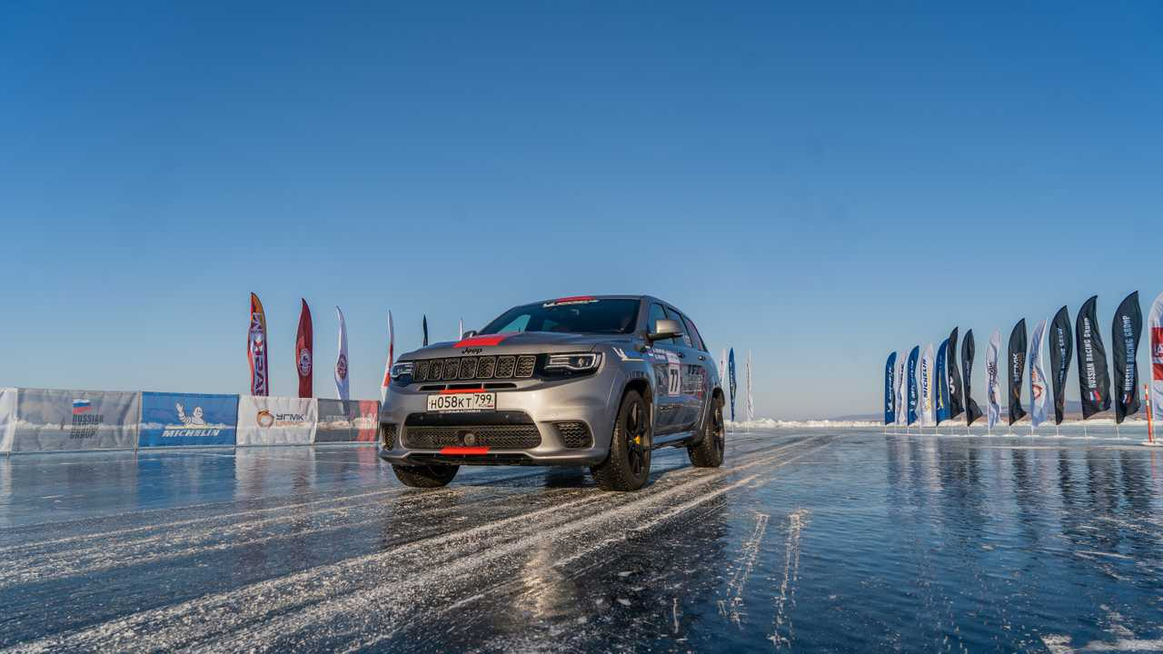Jeep Grand Cherokee Trackhawk sets fastest SUV on ice record