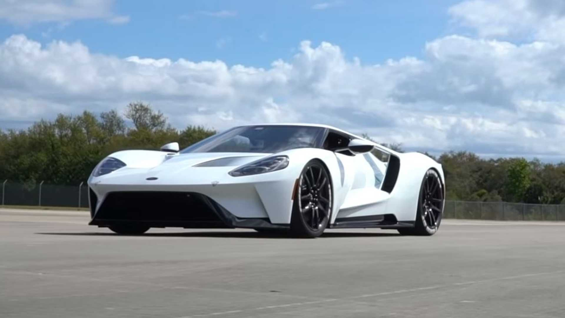 VIDÉO - La Ford GT poussée à plus de 340 km/h !