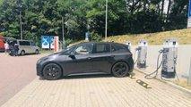 VW ID.3 beim Aufladen als Erlkönig erwischt