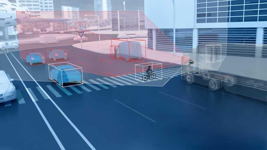 ZF presenta la telecamera a doppia lente per camion e furgoni