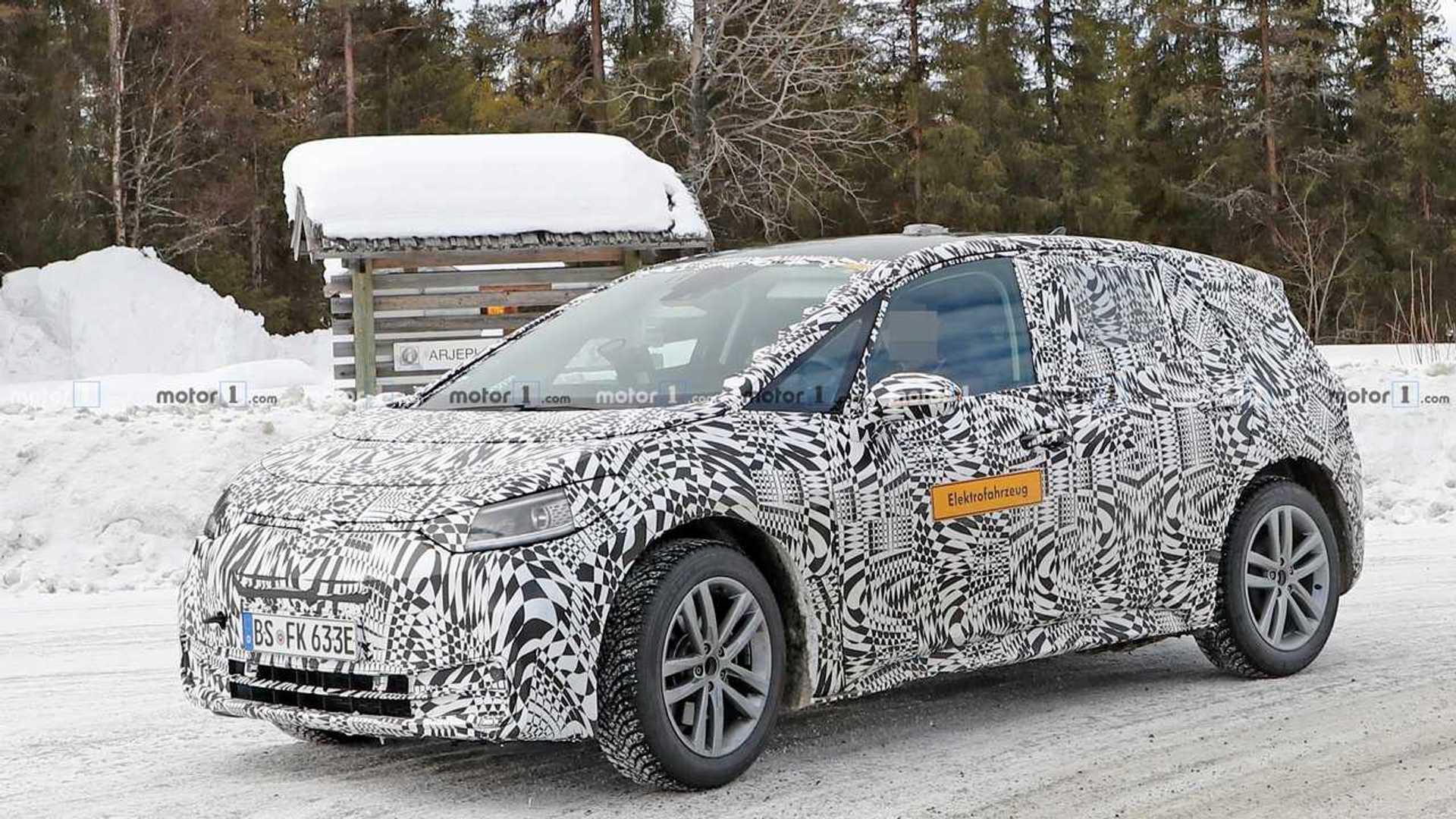 Volkswagen тестирует электрохэтч I.D. в снегу