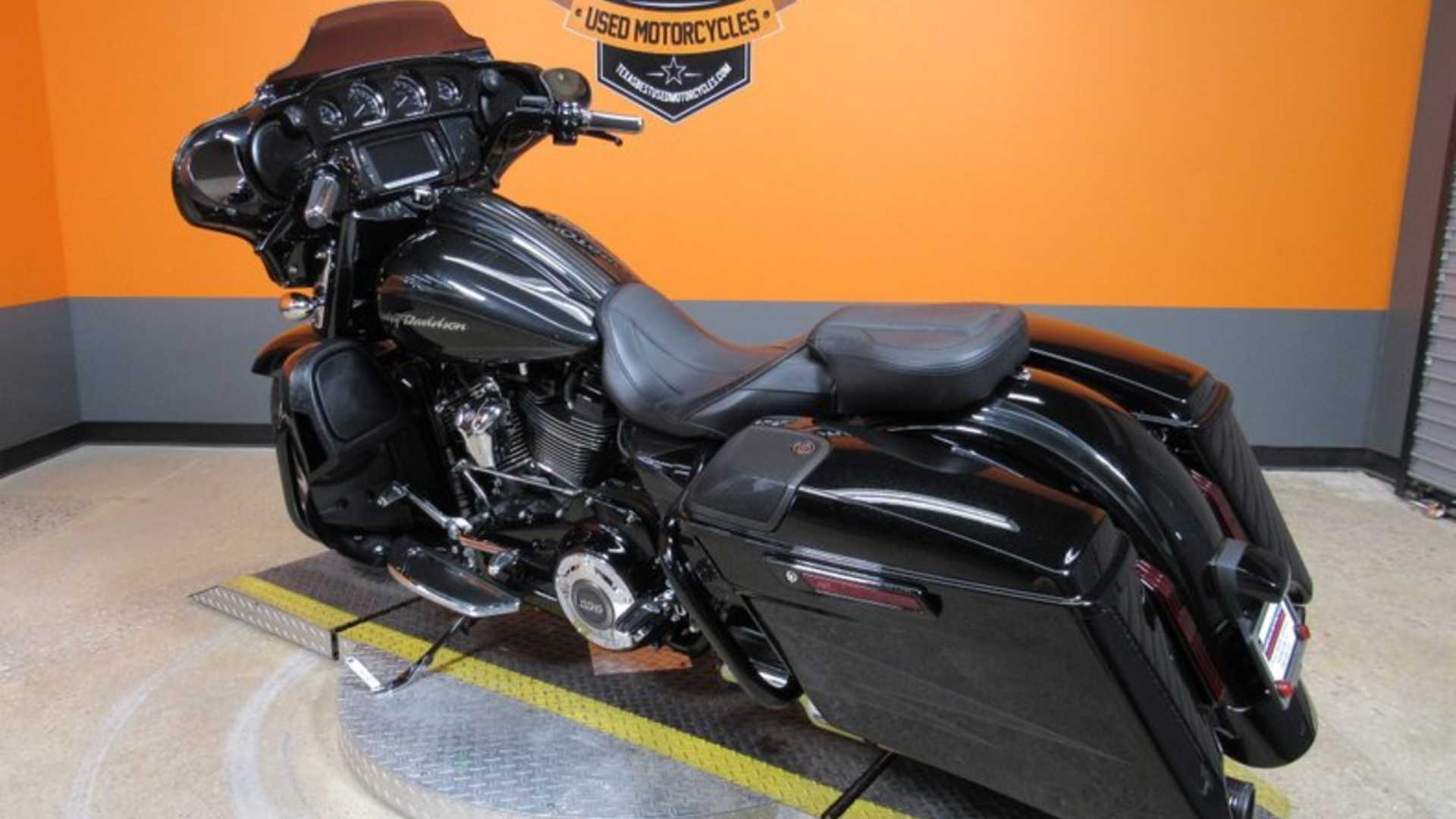 Hit The Open Road With This Harley-Davidson CVO Street Glide | Motorious