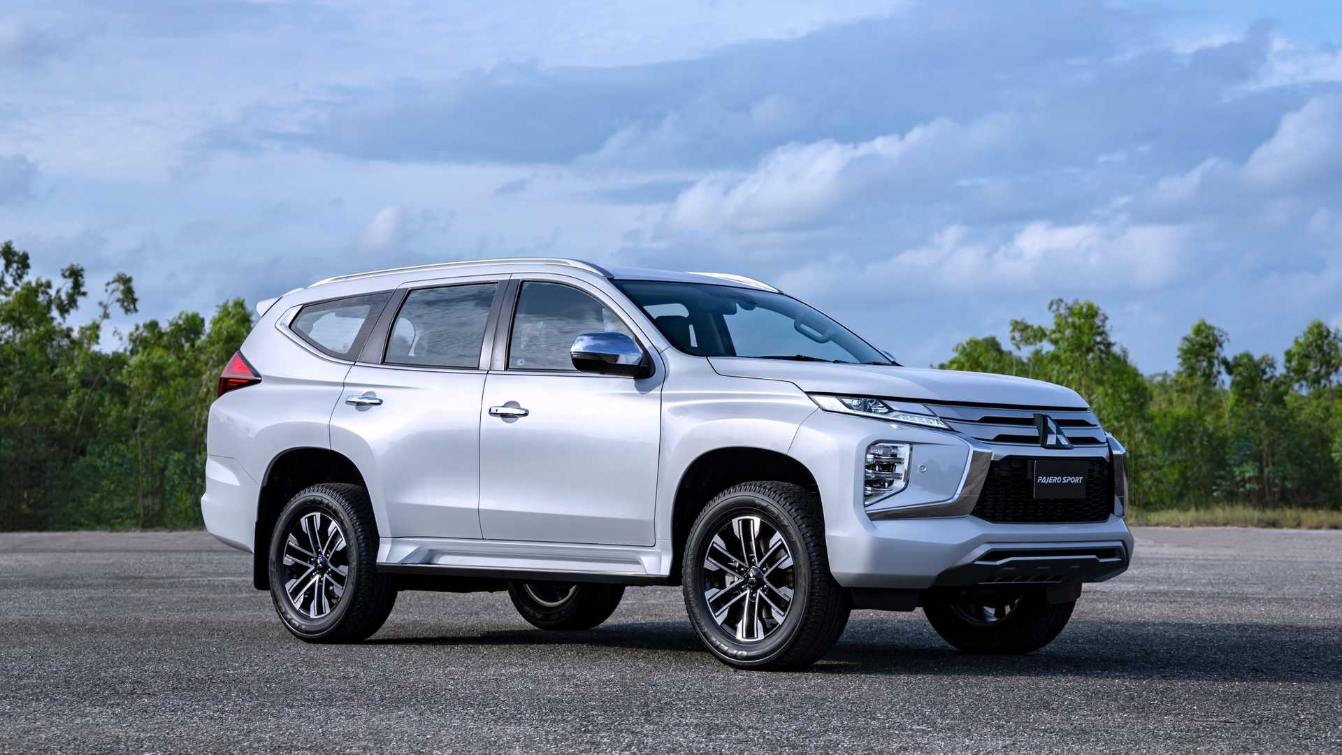 2020 Mitsubishi Pajero Redesign And Us Release Date >> 2020 Mitsubishi Pajero Sport Gets Fresh Face Updated Interior