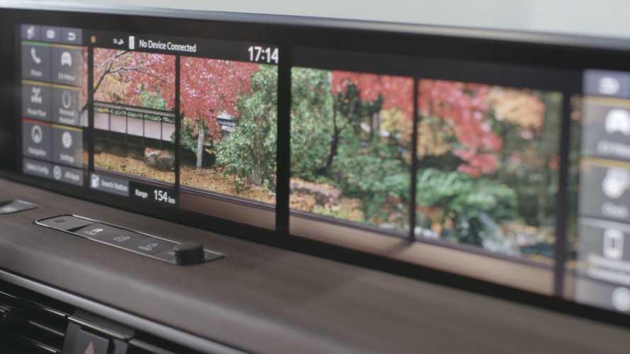 Honda e, l'infotainment a tutto schermo
