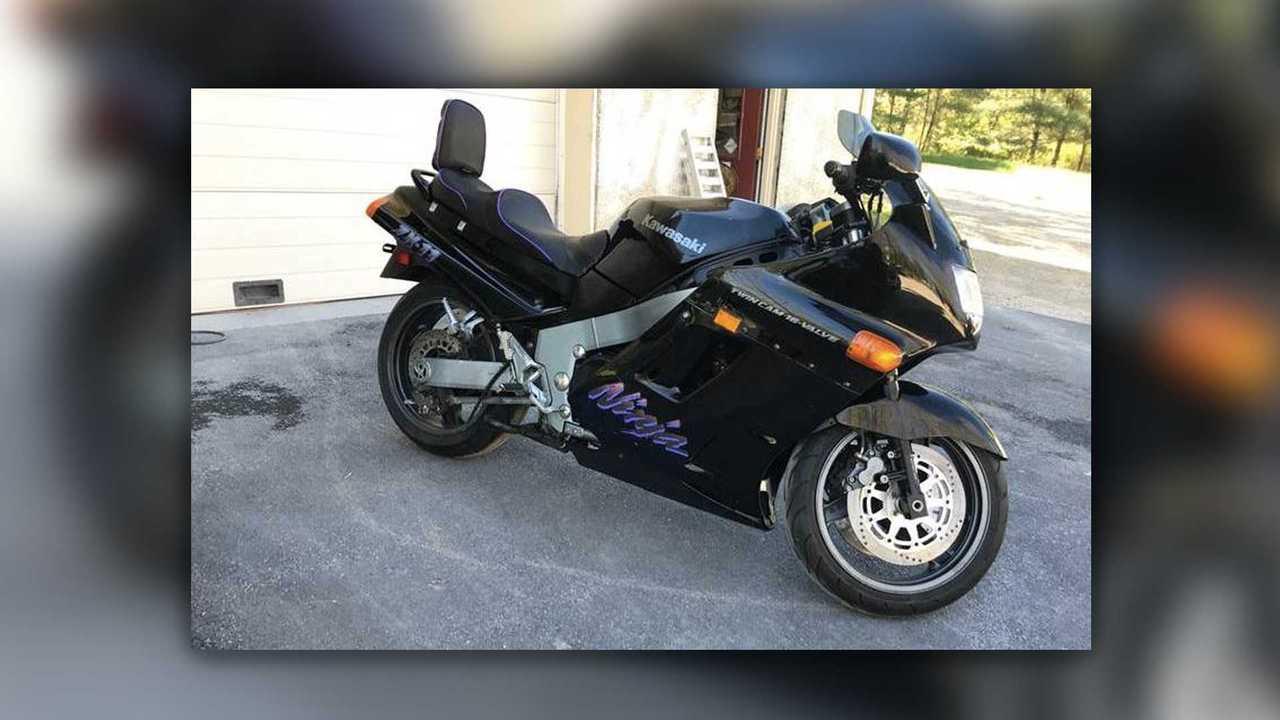 BONUS: 1990 Kawasaki Ninja ZX-11 - $2,900