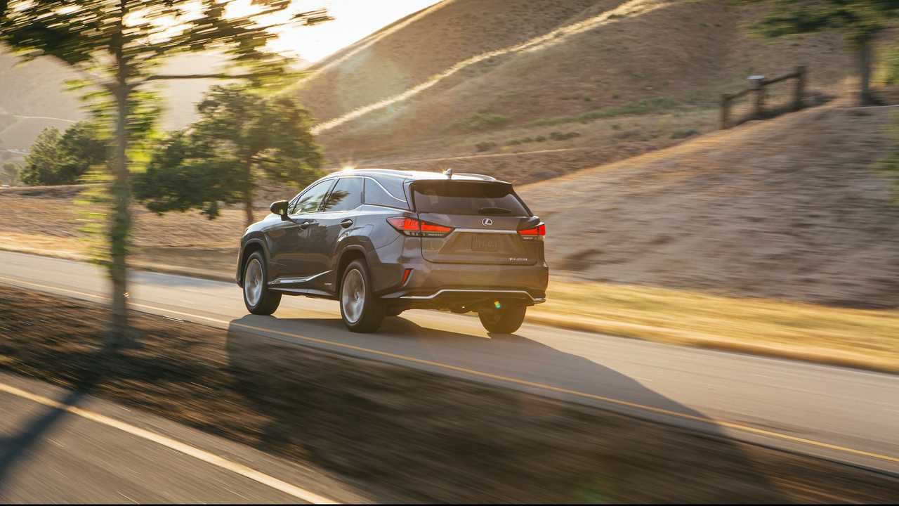 Lexus Bladescan Adaptive Headlights Debut As Cutting Edge