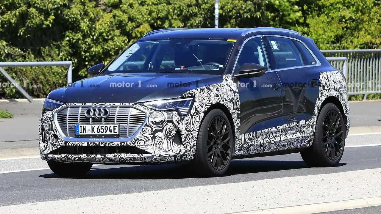 Audi e-Tron Quattro S Spy Photo